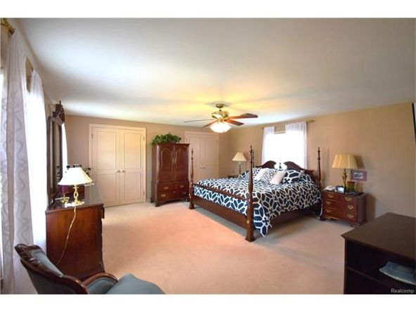 800 Sunningdale Dr., Grosse Pointe Woods, MI 48236 Photo 20