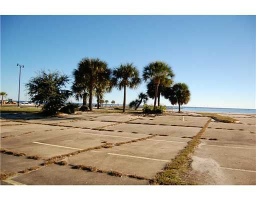 40 Beach Blvd. Hy, Gulfport, MS 39507 Photo 1