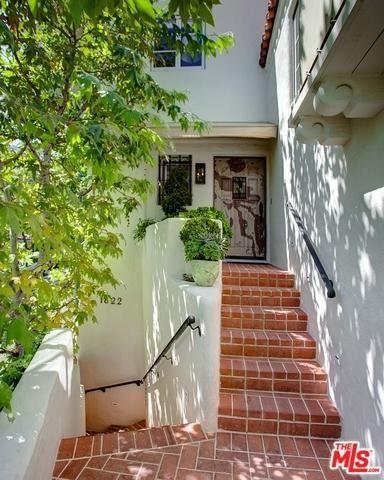 1822 Courtney Terrace, Los Angeles, CA 90046 Photo 2