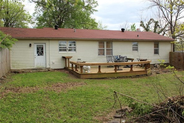 914 E. Lakeside Dr., Fayetteville, AR 72701 Photo 2