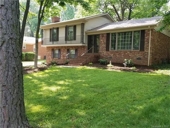 2018 Knell Dr., Charlotte, NC 28212 Photo 2