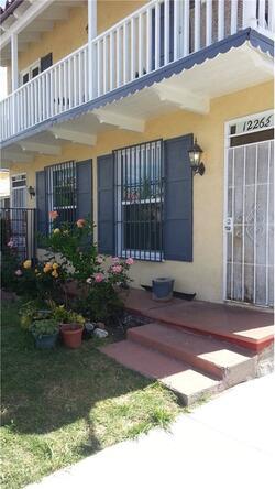 1224 S. Mullen Avenue, Los Angeles, CA 90019 Photo 2