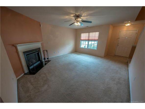 8436 Redding Glen Avenue, Charlotte, NC 28216 Photo 4