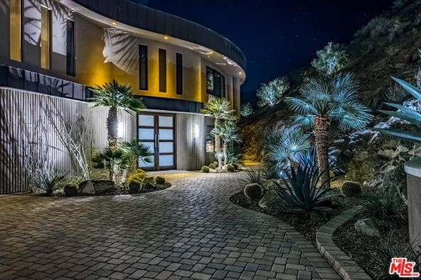 2400 Southridge Dr., Palm Springs, CA 92264 Photo 4