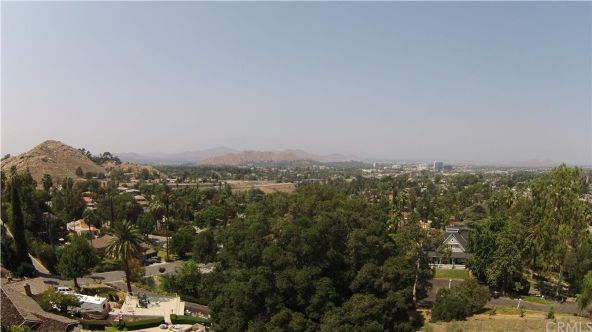 5158 Hallwood Avenue, Riverside, CA 92506 Photo 9