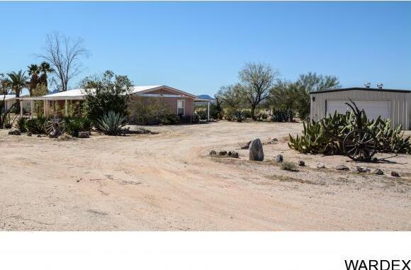 32374 S. Sleepy Hollow Ln., Bouse, AZ 85325 Photo 5