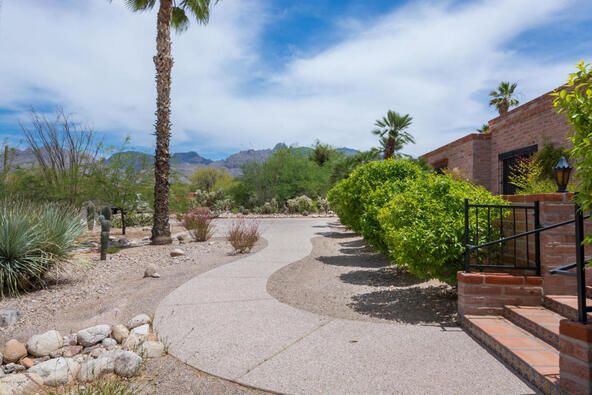 1122 E. Via Entrada, Tucson, AZ 85718 Photo 4