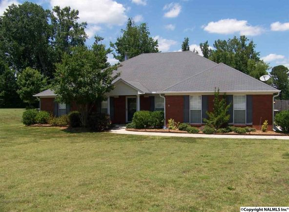 122 Hannah Marie Pl., Toney, AL 35773 Photo 2