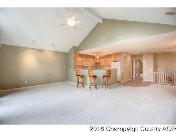 28 Fields East, Champaign, IL 61822 Photo 5