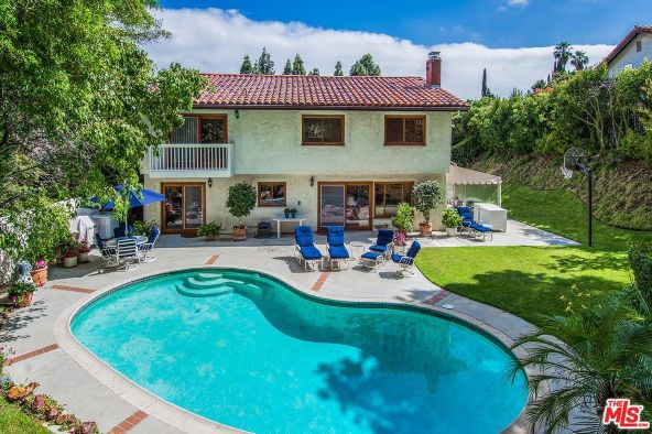10411 Windtree Dr., Los Angeles, CA 90077 Photo 32