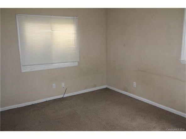 9607 Delrose Ln., Charlotte, NC 28216 Photo 4