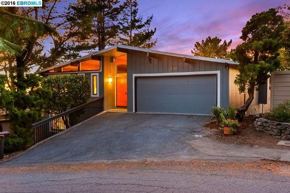 2770 Carisbrook Dr., Oakland, CA 94611 Photo 1