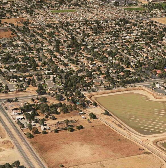 4865 East Jensen Avenue, Fresno, CA 93725 Photo 1