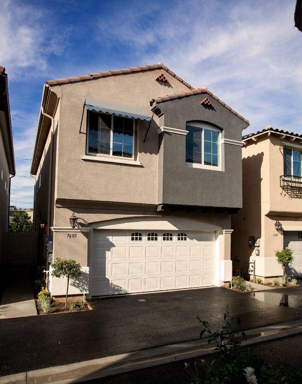 15207 Saticoy Street, Van Nuys, CA 91405 Photo 3