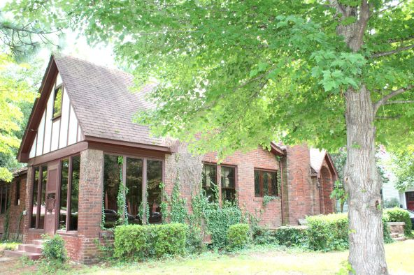 1805 W. Main, Russellville, AR 72801 Photo 4