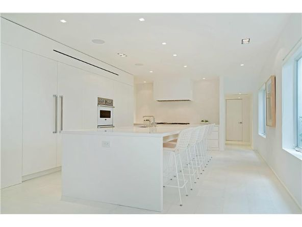 222 Ocean Dr., Miami Beach, FL 33139 Photo 3