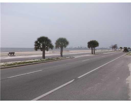 906 Beach Blvd., Gulfport, MS 39501 Photo 3