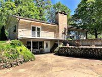 Home for sale: 11704 Walshville Trail, Hillsboro, IL 62049