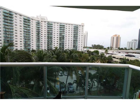 19390 Collins Ave. # 508, Sunny Isles Beach, FL 33160 Photo 4
