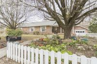 Home for sale: 124 Mason St., Lake City, TN 37769