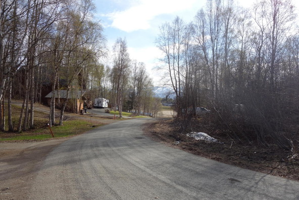 6420 Quiet Cir., Anchorage, AK 99517 Photo 4