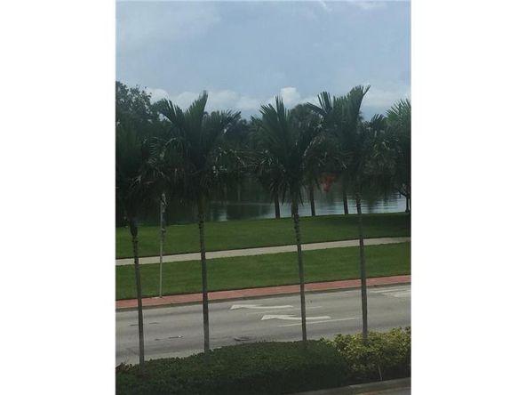 6422 Collins Ave., Miami, FL 33141 Photo 2