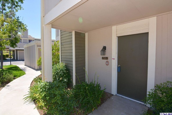 27123 Crossglade Avenue, Canyon Country, CA 91351 Photo 2