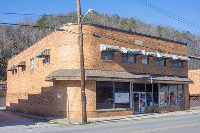 77 East Main St., Whitesburg, KY 41858 Photo 2
