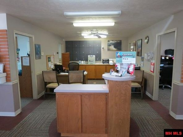 750 Highland Parkway, Mountain Home, AR 72653 Photo 2