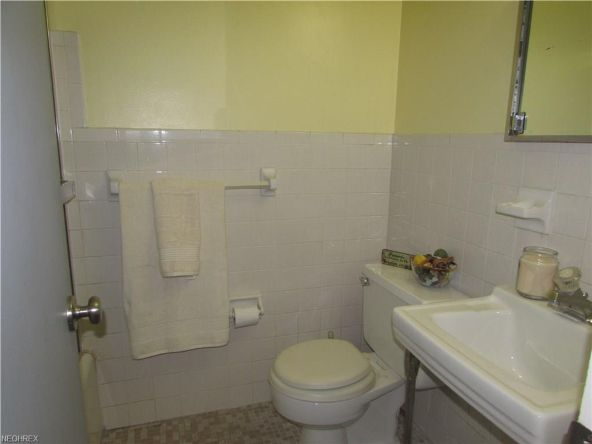 25415 Country Club Blvd., North Olmsted, OH 44070 Photo 12