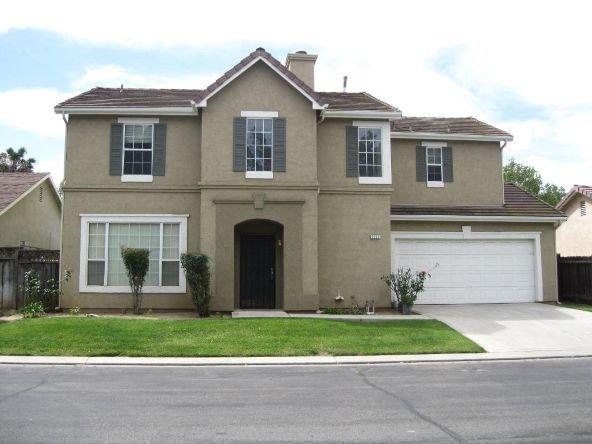 5228 E. Blossom Ln., Fresno, CA 93725 Photo 1
