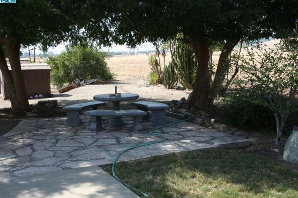 2288 East Roby Avenue, Porterville, CA 93257 Photo 26