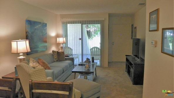 550 N. Villa Ct., Palm Springs, CA 92262 Photo 2