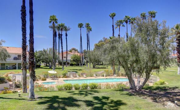 331 Vista Royale Dr., Palm Desert, CA 92211 Photo 2