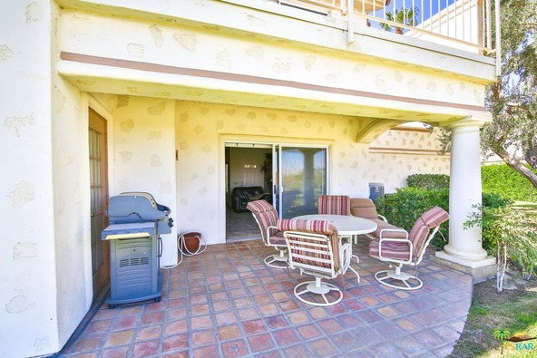 302 Vista Royale Dr., Palm Desert, CA 92211 Photo 17