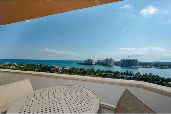 300 S. Pointe Dr. # 1001, Miami Beach, FL 33139 Photo 23