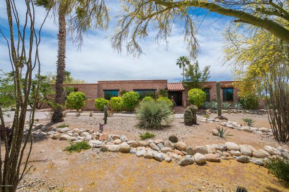 1122 E. Via Entrada, Tucson, AZ 85718 Photo 2