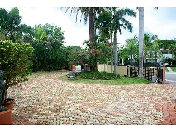 2957 Flamingo Dr., Miami Beach, FL 33140 Photo 3