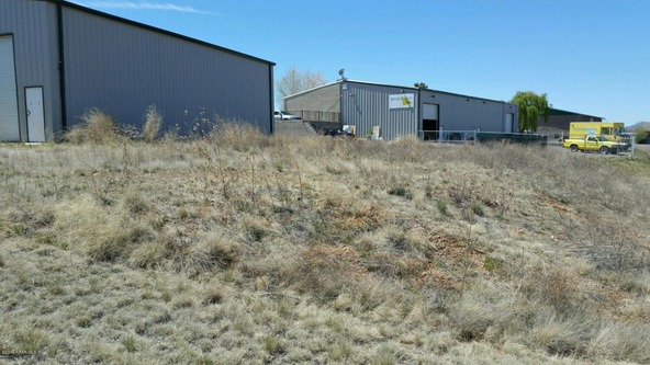5860 N. Hill Dr., Prescott Valley, AZ 86314 Photo 2