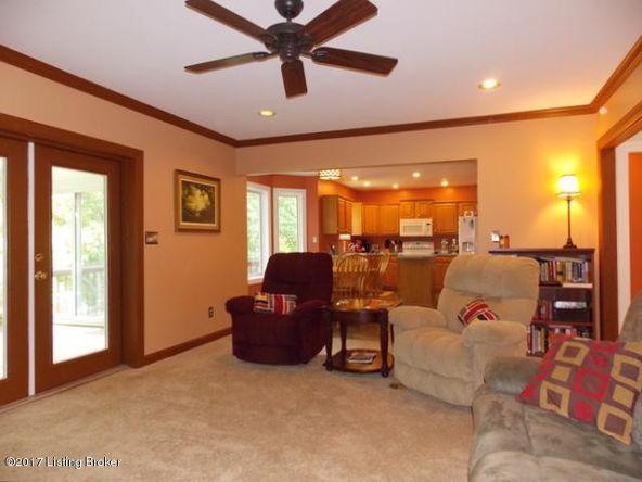 3300 Audubon Ridge Dr., Louisville, KY 40213 Photo 2