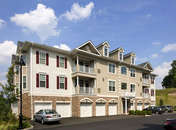 39 Brownstone Rd - For GPS use: 650 VALLEY ROAD CLIFTON NJ, Clifton, NJ 07011 Photo 1