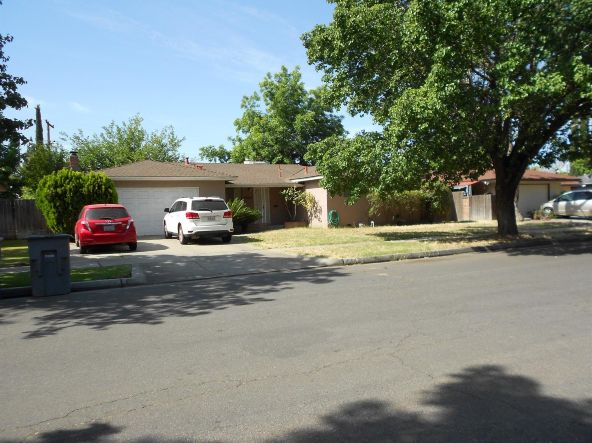 4564 E. Cortland Avenue, Fresno, CA 93726 Photo 2