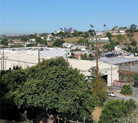 1950 N. Seigneur Avenue, Los Angeles, CA 90032 Photo 3