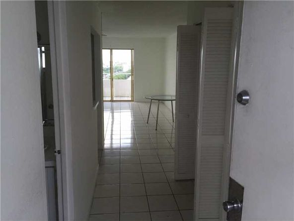 7904 West Dr. # 904, North Bay Village, FL 33141 Photo 2