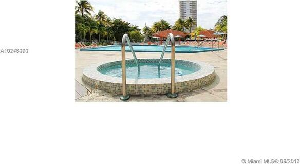 100 Bayview Dr., Sunny Isles Beach, FL 33160 Photo 10