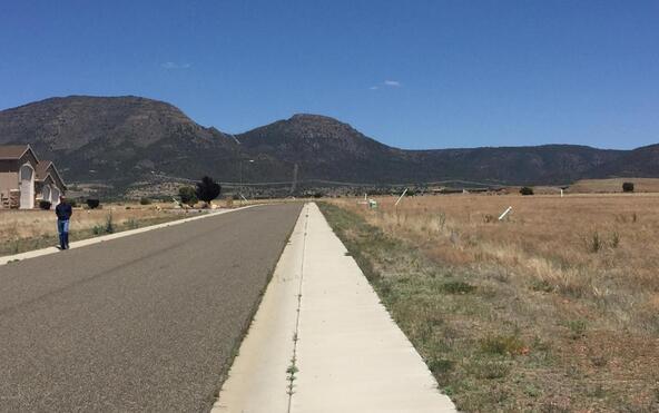 13321 E. Cowboy Way, Prescott Valley, AZ 86315 Photo 2