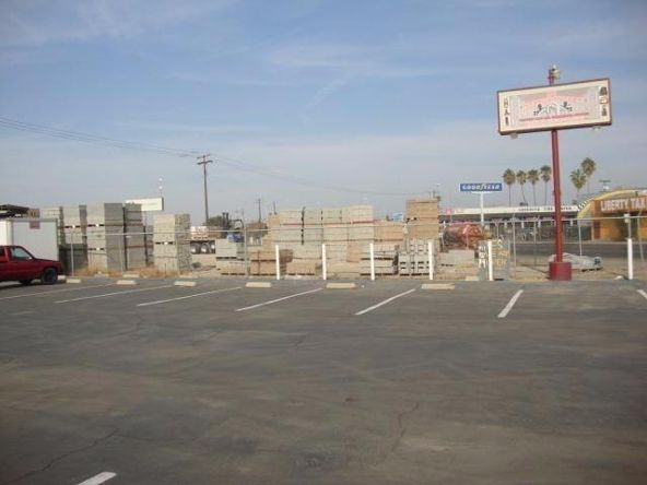 2425 North Weber Avenue, Fresno, CA 93705 Photo 8