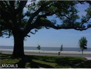 668 E. Beach Blvd., Gulfport, MS 39501 Photo 1