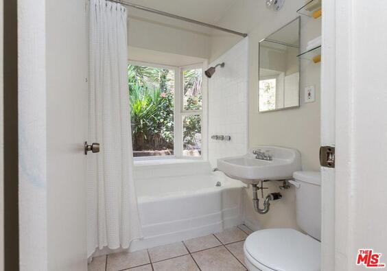 2170 Sunset Plaza Dr., West Hollywood, CA 90069 Photo 5