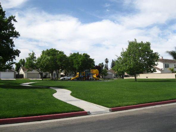 5228 E. Blossom Ln., Fresno, CA 93725 Photo 4